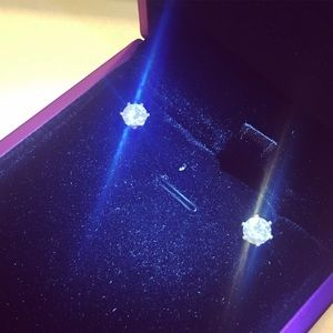 Jewelry - 1 carat round moissanite stud earrings